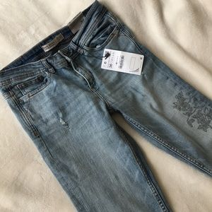 💙NWT💙 Zara Denim Mid Rise Skinny Jeans